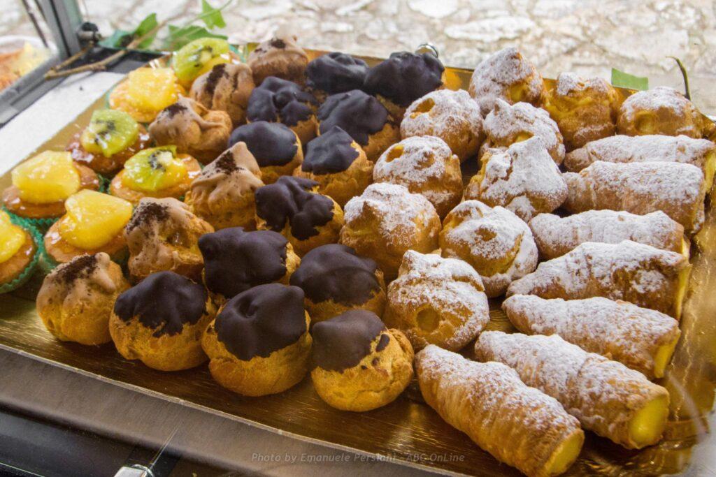 Buffet Di Dolci Mignon : Rotolini dolci ripieni alla frutta fatto in casa da benedetta